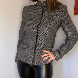 Armani wool blazer size 8 perfect for Spring!